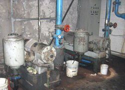 Vacuum pumps for glass